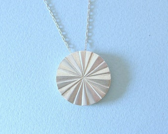 Vintage sterling silver circle necklace