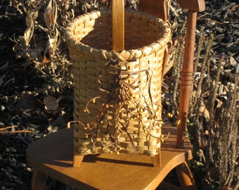 Small Berry and Bow Bucket Basket