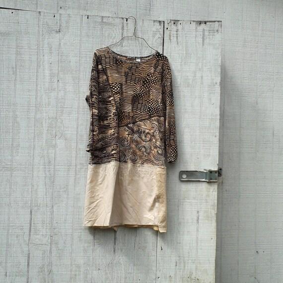 eco t-shirt dress / jersey knit  / funky upcycled clothing / tattered dress / casual dress / boho mini dress