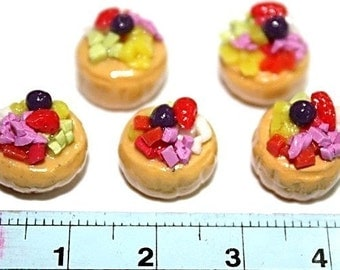 Mini Cupcake top with mix fruit and blueberry, set of 5 pieces