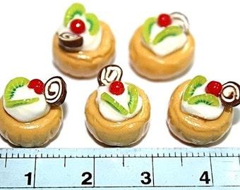 Mini Cupcake top with kiwi,cherry,chocolate, set of 5 pieces