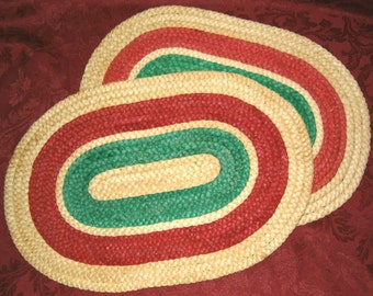 Vintage Oval CHRISTMAS Red Green PLACEMATS Braided Straw xmas Unused Place Mats Table Decoration Decor Doily Doilly Runner Nos New old Stock
