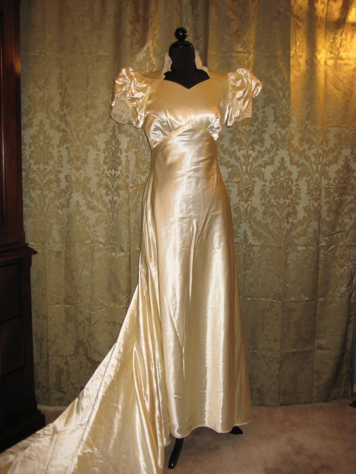 1930 39 s antique vintage creamy satin wedding gown for Vintage satin wedding dresses