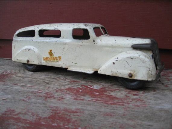 Wyandotte Ambulance Truck Car Vintage Toy Pressed Steel Rare