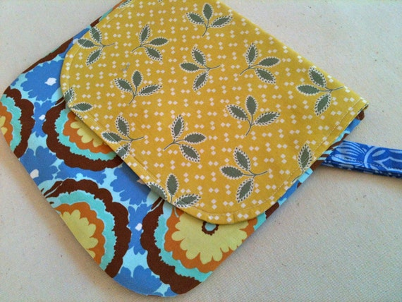 Cornflower, Crochet Clutch