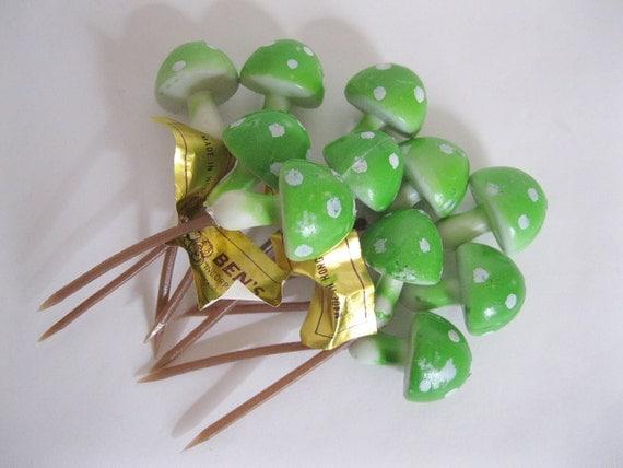 LOT OF 20..Green Polka Dots TOADSTOOL Mushroom 1960's Picks Millinery Floral Decor Cupcakes