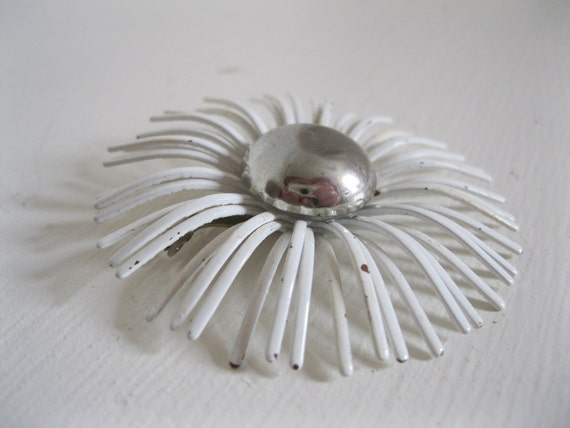 SALE...Neat 1950's 1960's Vintage Enamel Metal White & Silver Flower Brooch Pin
