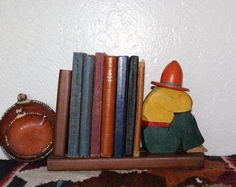 Hombre Book Holder - Vintage Wooden Siesta Sombrero Man Mexican