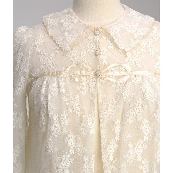 Vintage Ivory Floral LACE and RIBBON Peignoir Robe (S)