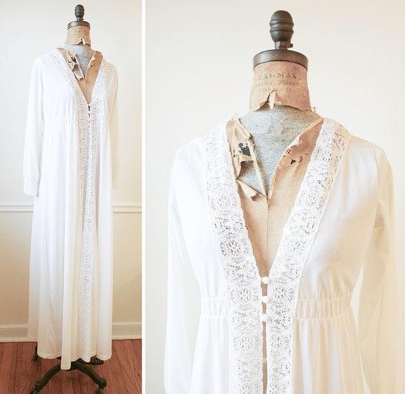 Vintage 1960s BOHEMIAN Flowing Ecru Lace Dress m/l