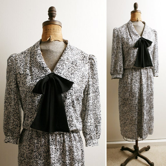 Vintage 1980s Diane Von Furstenberg Black and White Print Dropwaist Dress s/m