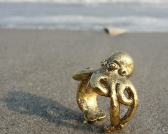 Gold octopus ring sizes 4 to 7 self adjustable
