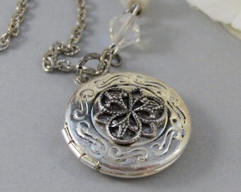 Fairie's Compass,Locket,Silver Locket,Fairy,Crystal,Antique Locket,Floral,Compass,Woodland,Whimsical. Handmade jewelry by valleygirldesigns.