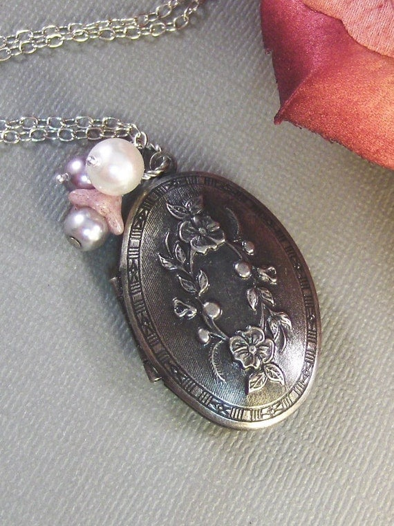 Grace,Silver Locket,Floral,Mauve,Pink,Pearl,Flower,Bride,Wedding,Antique. Handmade jewelery by Valleygirldesigns on Etsy.