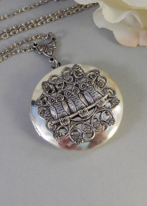 Tiny Owls,Owl,Locket,Silver Locket,Silver Necklace,Owl,Silver,Woodland,Antique Locket. Handmade jewelry by valleygirldesigns.