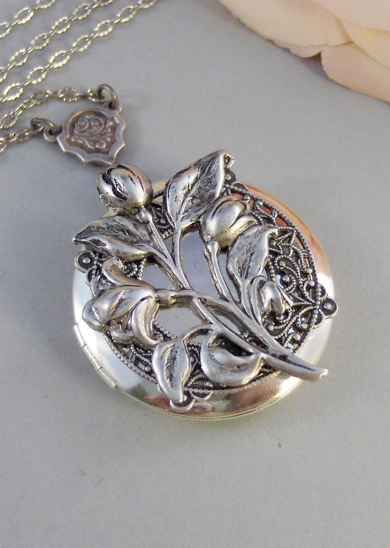 Sterling Silver Antique Locket Antique Tulips Locket,silver