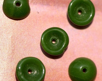 Vintage Tiny Little Grass Green Glass Bead Caps (18) (#4)