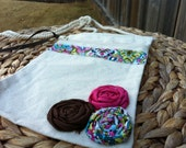 Canvas Zipper Purse With Rosettes