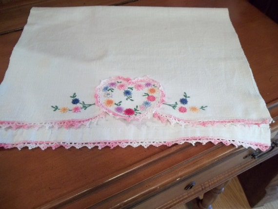Vtg Embroidered Pink Heart, LInen Dresser Scarf, with Pink Crochet Edges, Shabby Cottage, Cottage Chic