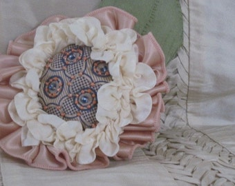 Handmade Flower Brooch - Champagne Bubbly Blossom