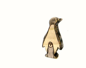 penguin and baby wooden toy, waldorf animal toys, wood toys, penguin figurine
