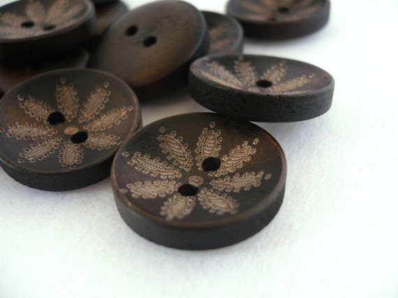 WB10025 - 20mm Floral Crafted Wood Buttons, 20mm Floral Crafted Wooden Buttons (6 in 1 set)