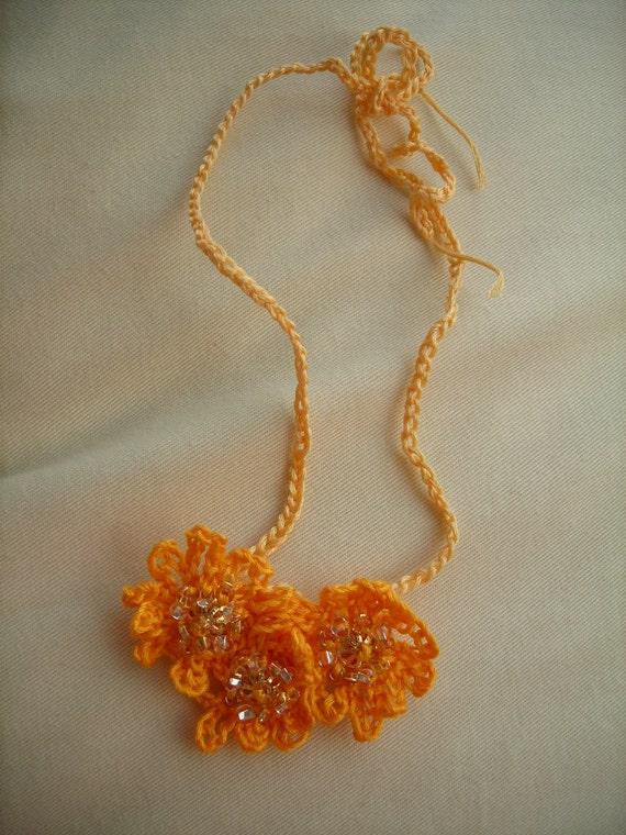 Beaded Sunburst Choker Necklace in Gold Yellow