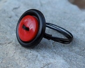 Red and Black Retro Button Ring