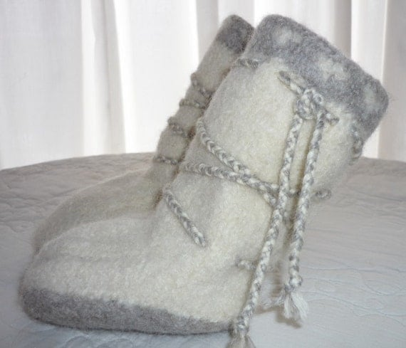Felted Wool White and Tan Tribal Mukluks Booties with Braids Child size 6 18 to 24 Months