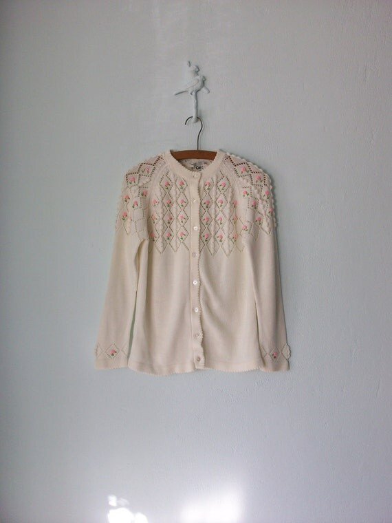 Embroidered Cardigan Sweater ... 1960's White Granny Floral ... Large