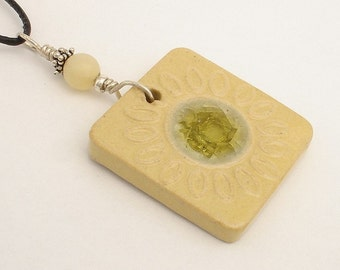 Straw yellow flower outline with multi-petal on square pendant (JSY-N010-1)