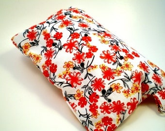 Wristlet with Flowers and Rhinestones