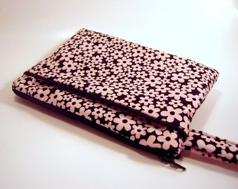 Wristlet in Pink & Black Flowers with Piped Pocket