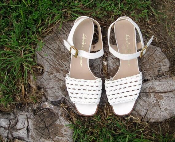 Vintage White Leather Salvatore Ferragamo Sandals Sz. 8