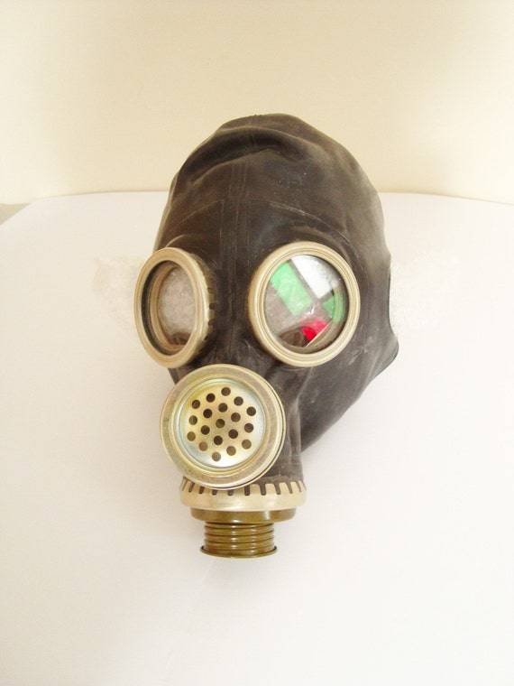 Civilian Gas Mask PMG2 NEVER USED from Soviet Union 1979