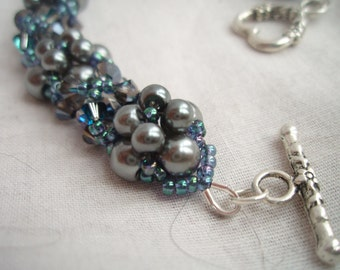 Blue Pearl and Crystals Bracelet