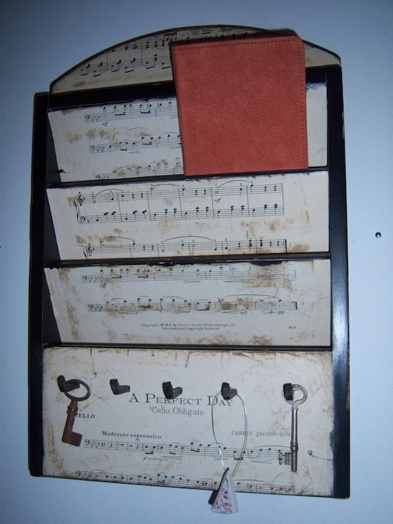 Mail/Key Rack