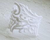 LAST ONE White Lace Bracelet - Jeneth