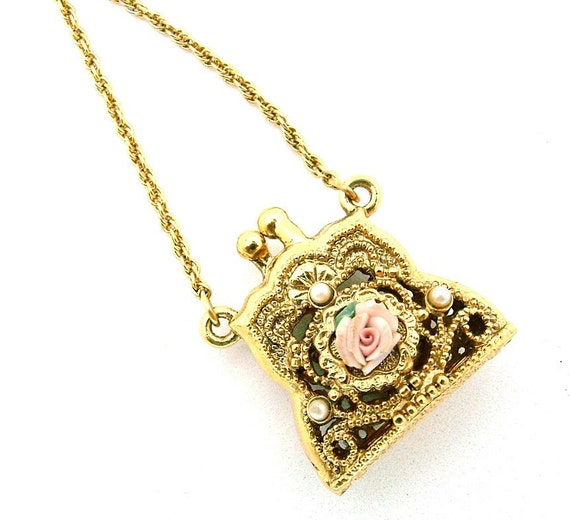 Vintage Pendant Necklace Gold Tone Pill Box Purse Locket With A Pink Rose Accent