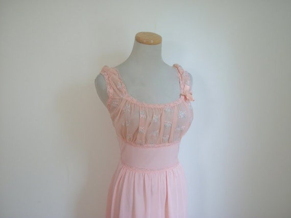 Vintage 50s Peach Blossom Nightgown