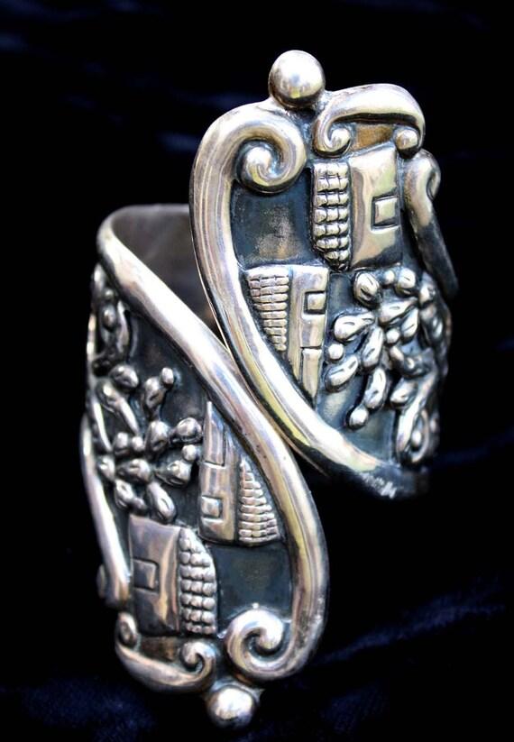 Vintage Villasana Sterling Silver clamper cuff