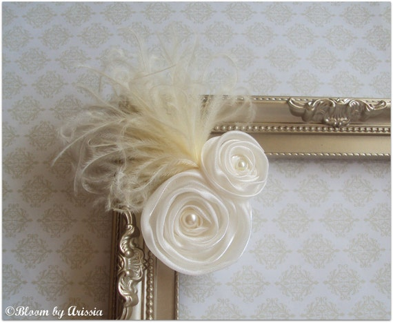 Allure collection . Double ivory rosette and feathers hair clip