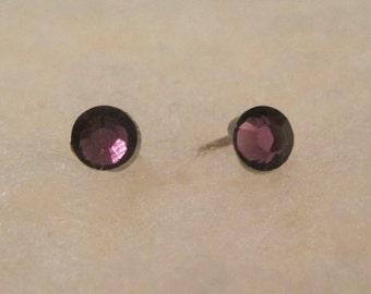 Niobium Stud Earrings - Amethyst Crystals 4 mm - Hypoallergenic Earrings for Sensitive Ears // Nickel Free Post Earrings