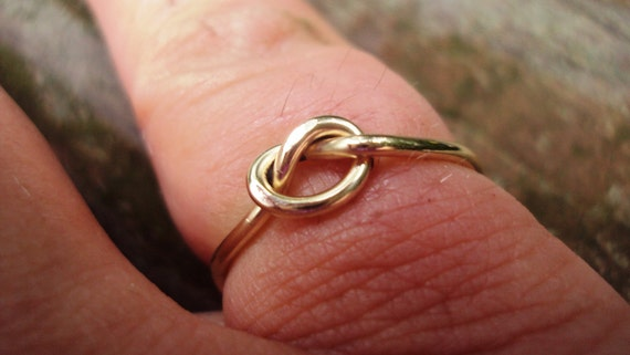 Love knot ring, Lovers knot ring, celtic knot ring, 16g