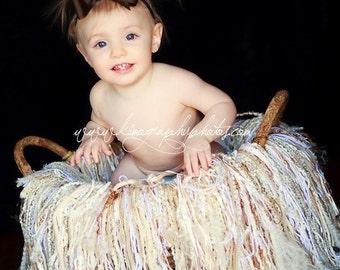 VANILLA CREAM Photo Prop Fringe Blanket  4ft x 4ft plus, Cream white gold tan, Newborn Nest, Newborn Photographer prop, Newborn Photos