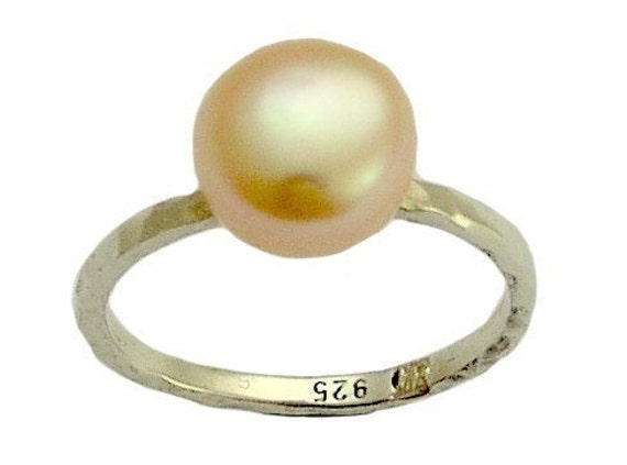 Young love - Sterling silver engagement ring inlaid rose fresh water pearl.