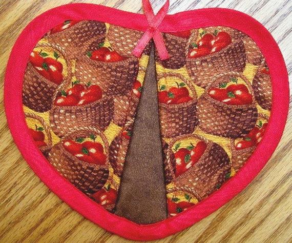 Quilted Potholder Heart Apple Basket Handmade Cotton Fabric Trivet Pot Holder Quilted For Her Mom Gift Housewarming Gift 2 Set