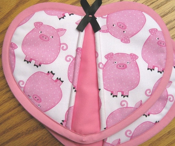 Quilted Potholder Heart Pigs Handmade Cotton Fabric Trivet Pot Holder Quilted For Her Mom Gift Housewarming Gift 2 Set