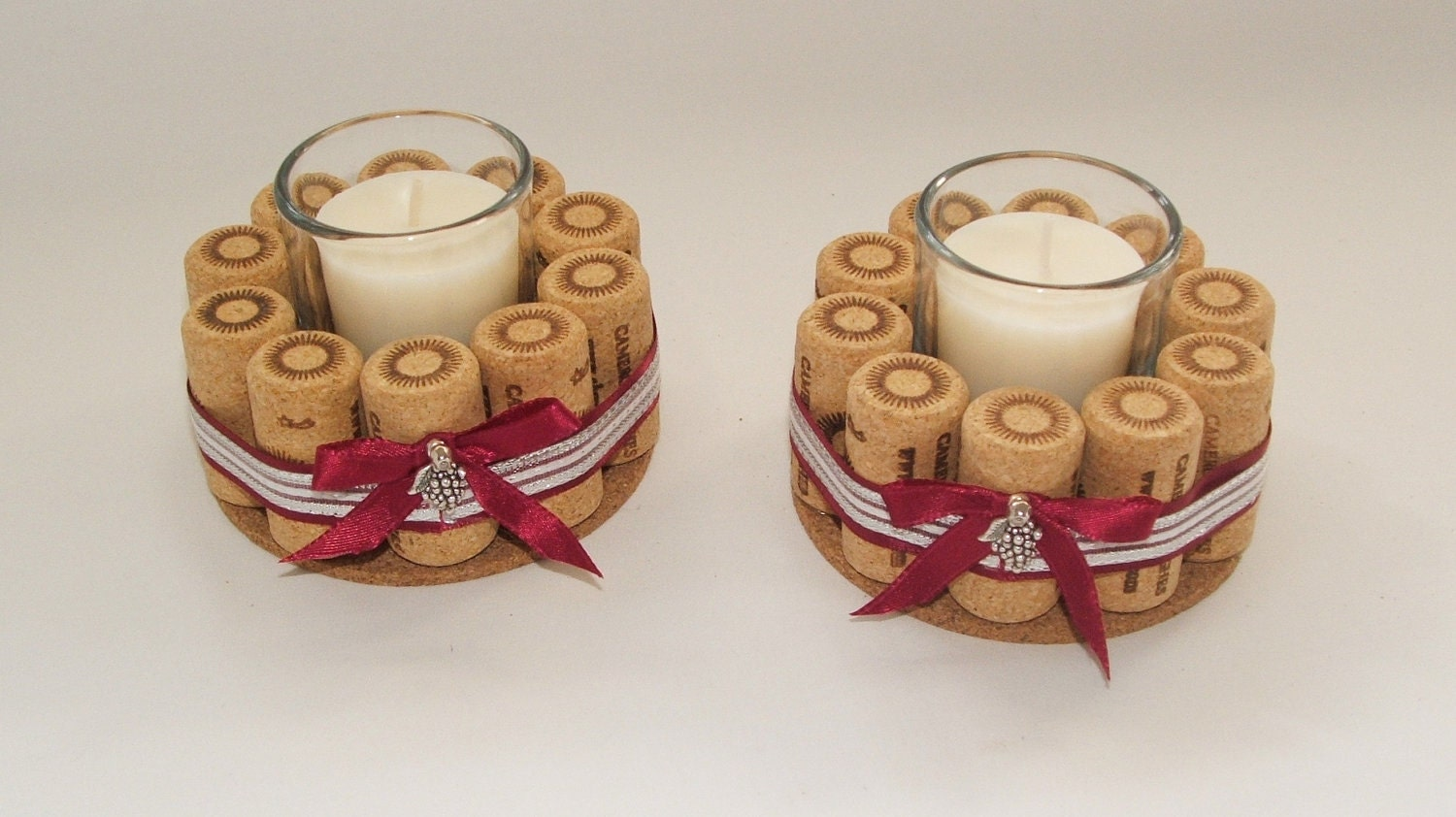 Wine cork candle holders set of two by 4alloccasionfavors - Decoracion con corchos ...