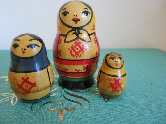 Nesting Doll Wood Pins  Vintage